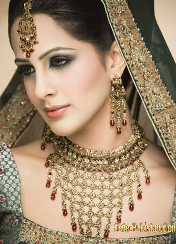 Pakistani model vaneeza wedding